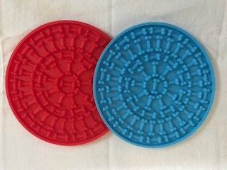 image of peanut butter pads that can be smeared with dog friendly brands of peanut butter for a healthy snack.
